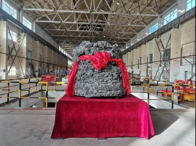 甘肃国钛首炉海绵钛成功产出